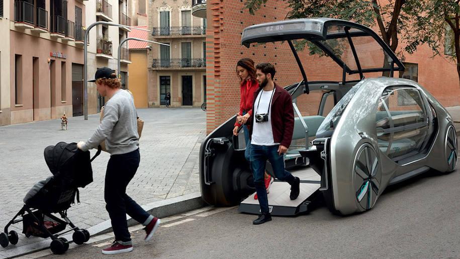 Компания Renault привезла на автосалон концепт такси будущего
